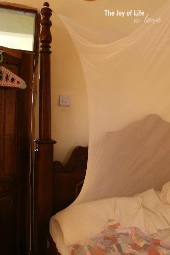 sleeping-under-a-bednet